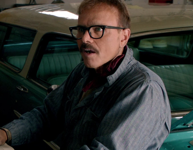 Joe Pantoliano as Avi Hirshberg in The Identical