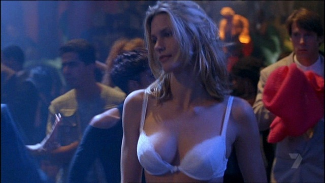 natasha-henstridge-bra-species